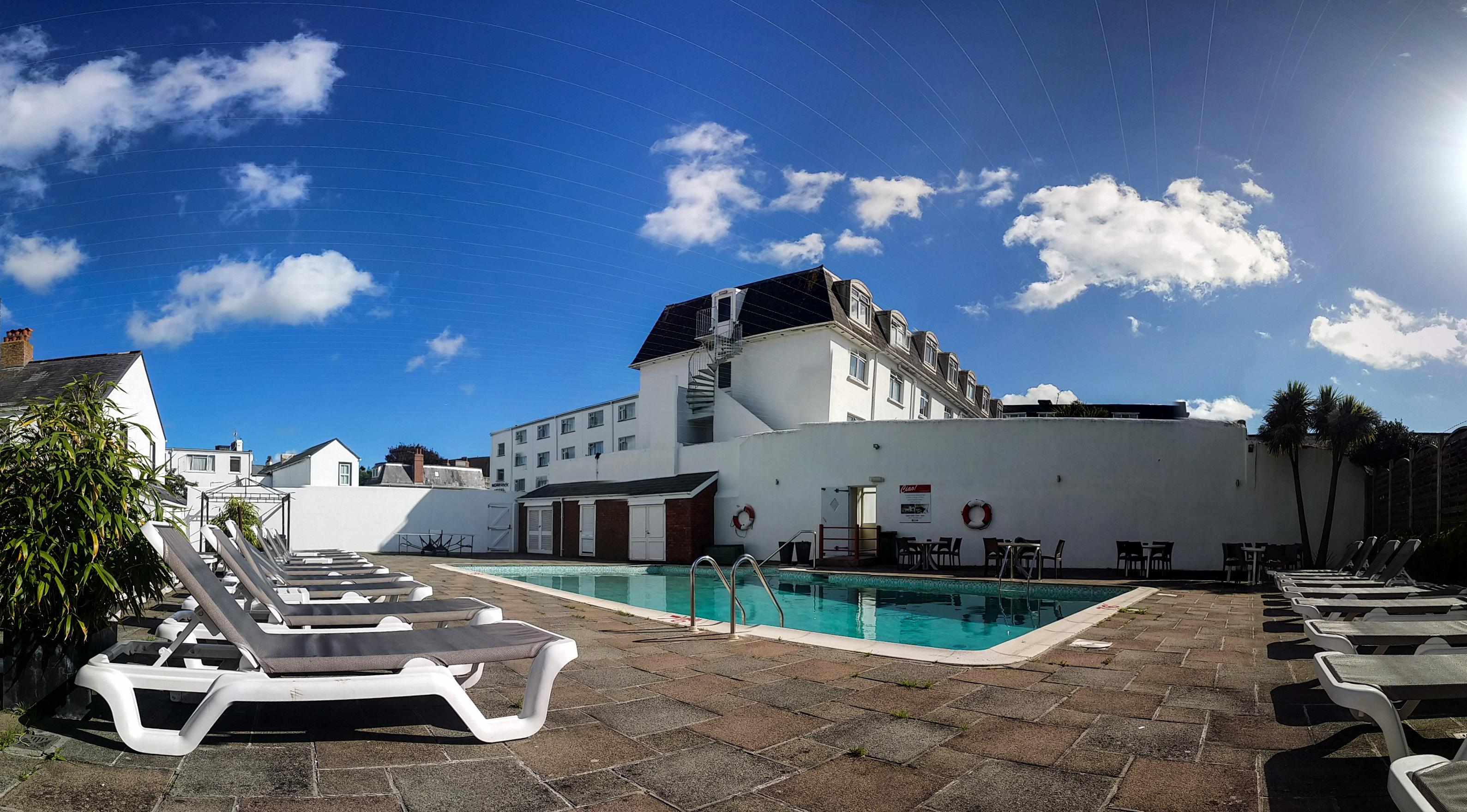Norfolk Hotel Jersey Pool